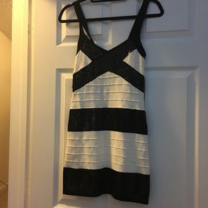 Dresses & Skirts - White and black dress